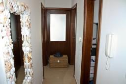 Коридор. Черногория, Игало : Апартамент с отдельной спальней около Блатна плажа