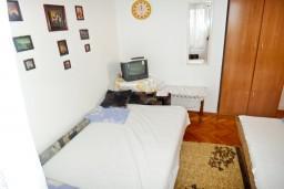 Студия (гостиная+кухня). Черногория, Игало : Большая студия с террасой