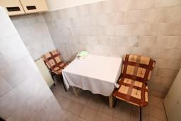 Обеденная зона. Черногория, Колашин : Студия в Колашине на первом этаже.
