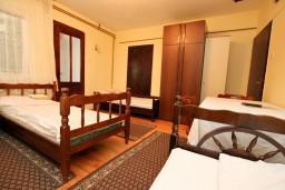 Спальня 2. Черногория, Колашин : Апартамент для 9-х человек, 3 спальни, Колашин, Черногория.