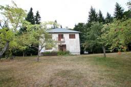 Фасад дома. Черногория, Колашин : Дом в Колашине с 5 отдельными спальнями