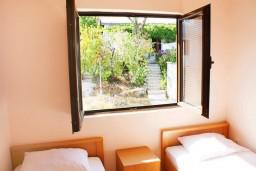 Черногория, Баошичи : Апартамент для 4 человек с отдельной спальней, с балконом и видом на море
