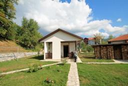 Фасад дома. Черногория, Колашин : Маленький уютный дом в Колашине