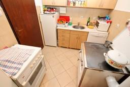 Кухня. Черногория, Колашин : Маленький уютный дом в Колашине