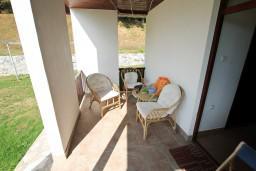 Терраса. Черногория, Колашин : Маленький уютный дом в Колашине
