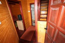 Вход. Черногория, Колашин : Уютный домик с 2 спальнями в Колашине рядом с горнолыжным центром