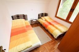 Спальня 3. Черногория, Колашин : Большой 2-х этажный апартамент для 6 человек, с 2-мя спальнями на втором этаже и одной на третьем, Колашин, Черногория.