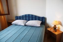 Черногория, Баошичи : Апартамент для 4 человек с отдельной спальней и балконом