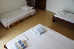Студия (гостиная+кухня). Черногория, Баошичи : Студия с балконом и видом на море в Баошичи