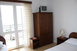 Студия (гостиная+кухня). Черногория, Баошичи : Студия в Баошичи с балконом и видом на море