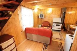 Гостиная. Черногория, Жабляк : 2-х этажный дом с большой спальней на втором этаже