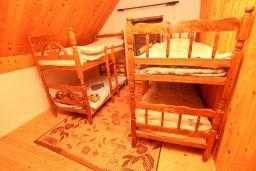 Спальня 2. Черногория, Жабляк : Большой апартамент для 10-14 человек, 5 отдельных спален, Жабляк, Черногория.