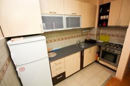 Кухня. Черногория, Жабляк : Апартамент 2 спальни в Жабляке рядом с горнолыжным спуском