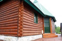 Фасад дома. Черногория, Жабляк : 2-х этажный деревянный дом с 2-мя отдельными спальнями на Жабляке