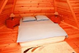 Спальня 2. Черногория, Жабляк : 2-х этажный деревянный дом с 2-мя отдельными спальнями на Жабляке