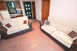Гостиная. Апартамент для 4 человек, с отдельной спальней, с террасой, 100 метров до пляжа в Игало