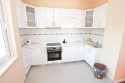Kitchen. Montenegro, Igalo : Floor of the house with 2 bedrooms in Igalo