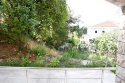 Вид. Черногория, Рафаиловичи : Апартамент с отдельной спальней в Рафаиловичи в 100 метрах от