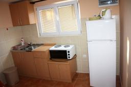 Кухня. Черногория, Обала Джурашевича : Студия с большой террасой и видом на море