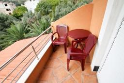 Балкон. Черногория, Бечичи : Уютная студия для 2 человек, с балконом с видом на море