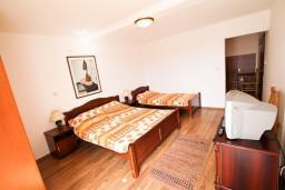 Студия (гостиная+кухня). Черногория, Бечичи : Уютная студия с балконом с видом на море