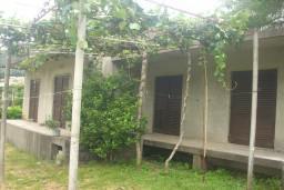 Продаётся дом в Герцег-Нови, посёлок Баошичи, площадью 88м2. В доме 2 апартамента 36м2 и 52m2. Общая площадь участка 366м2. 70 метров до моря. в Баошичи