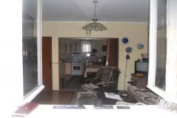 Дом в Герцег-Нови – Чела, площадью 200м2. Земельный участок 388м2. 2 этажа, один хозяин. Возможность надстройки ещё 2-х этажей. 1.2км до центра города. Вид на море. в Герцег Нови