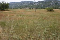 Земельный участок в Грахово – Никшич, площадью 25000м2. в Которе
