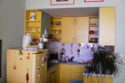 Апартамент на четвертом этаже в Герцег-Нови – Биела, площадью 40м2. Спальня, гостиная с кухней, коридор, ванная комната с душевой кабинкой, балкон с шикарным видом на море. в Биеле