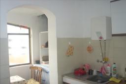 Апартамент на втором этаже в Герцег-Нови – Биела, площадью 42м2. Спальня, гостиная с кухней, ванная комната, балкон с шикарным видом на море. в Биеле