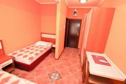 Студия (гостиная+кухня). Черногория, Жанице / Мириште : Студия для 3 человек с балконом, 80 метров до моря