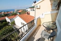 Черногория, Петровац : Студия для 3 человек, с балконом с видом на море