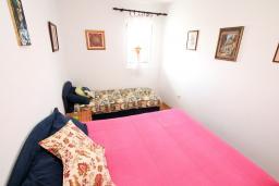 Черногория, Петровац : Апартамент для 3-5 человек, с отдельной спальней, с балконом с видом на море