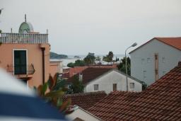 Вид на море. Черногория, Будва : Апартамент для 4-6 человек, 2 спальни, с террасой с видом на море
