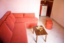 Студия (гостиная+кухня). Черногория, Будва : Студия в Будве в 600 метрах от моря