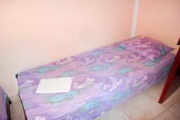 Студия (гостиная+кухня). Черногория, Будва : Студия с террасой в 500 метрах от моря