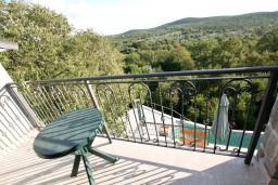 Балкон. Черногория, Росе : Просторный апартамент для 2 человек, с отдельной спальней, с балконом с видом на море