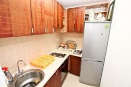 Кухня. Черногория, Радовичи : 2-х этажная вилла с просторной гостиной и 2-мя спальнями