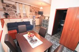 Bed room. Montenegro, Krasici : House with 2 bedrooms in Krasici for 6 guests