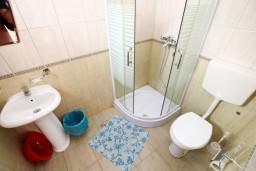 Ванная комната. Черногория, Радовичи : Студия в Радовичи в 400 метрах от моря