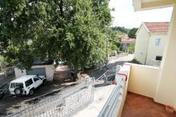 Балкон. Черногория, Радовичи : Апартамент с отдельной спальней в Радовичи на вилле с байссейном