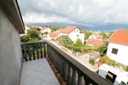 Балкон. Черногория, Радовичи : Апартамент для 5 человек, 2 отдельные спальни, два балкона с видом на море