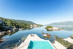Seaview. Montenegro, Krasici : House with 4 bedrooms in Krasici for 12 guests