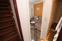 Коридор. Черногория, Герцег-Нови : Апартамент в Старом городе с гостиной и отдельной спальней