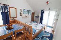 Гостиная. Черногория, Нивице : Апартамент с 1 спальней и балконом с шикарным видом на море, 10 метров до пляжа