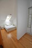 Спальня. Черногория, Игало : Современный апартамент с отдельной спальней и балконом с видом на море