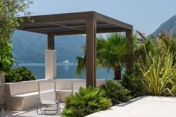 Терраса. Черногория, Рисан : Роскошная вилла с бассейном и видом на море, 7 спален, барбекю, Wi-Fi