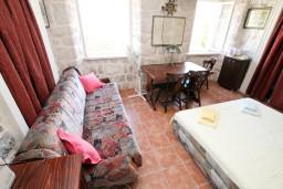 Черногория, Прчань : Комната для 2-3 человек, возле моря