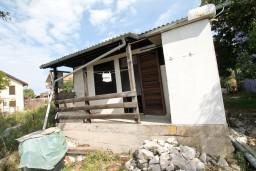 Домик площадью 30м2, с земельным участоком площадью 250м2, с видом на море. в Утехе