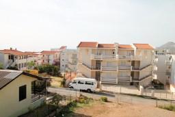 Вид. Черногория, Добра Вода : Студия для 4 человек, с балконом с видом на море, 80 метров до пляжа
